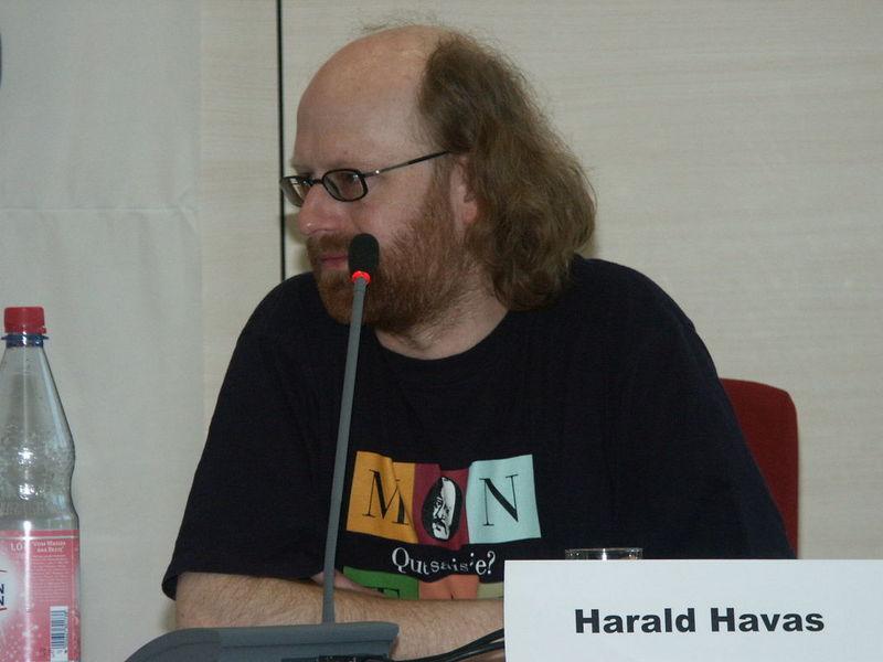 Harald Havas beim Podium zum Max- und Moritz-Preis